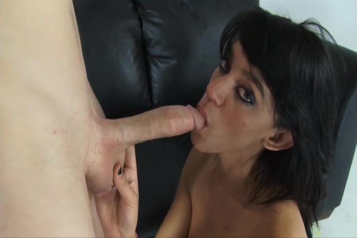 brunette suck on a mouthfull