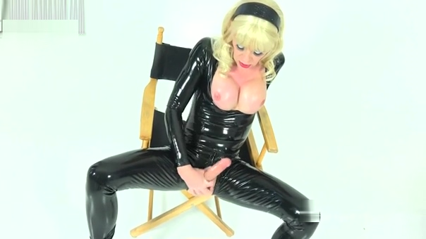 Joanna Jet Me and You 230 Black Catsuit 02 Dec 2016 Dude where is my car