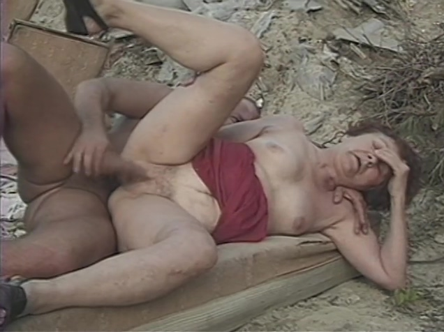 Mature lady screwed outdoor by younger male alton towers happy hardcore remix