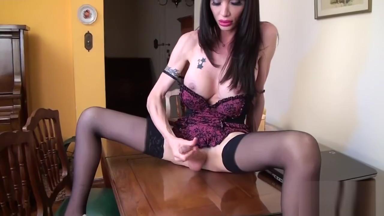 Mariana Cordoba weird nude girls
