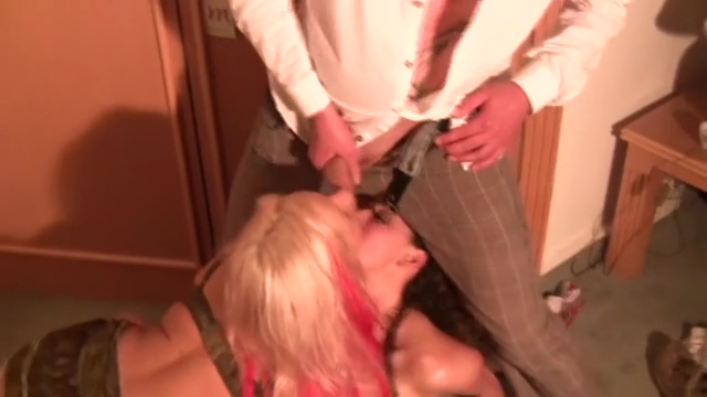 Lesbofist und Pissorgie! Nephew Forced To Beauty Aunt For Fuck Hard