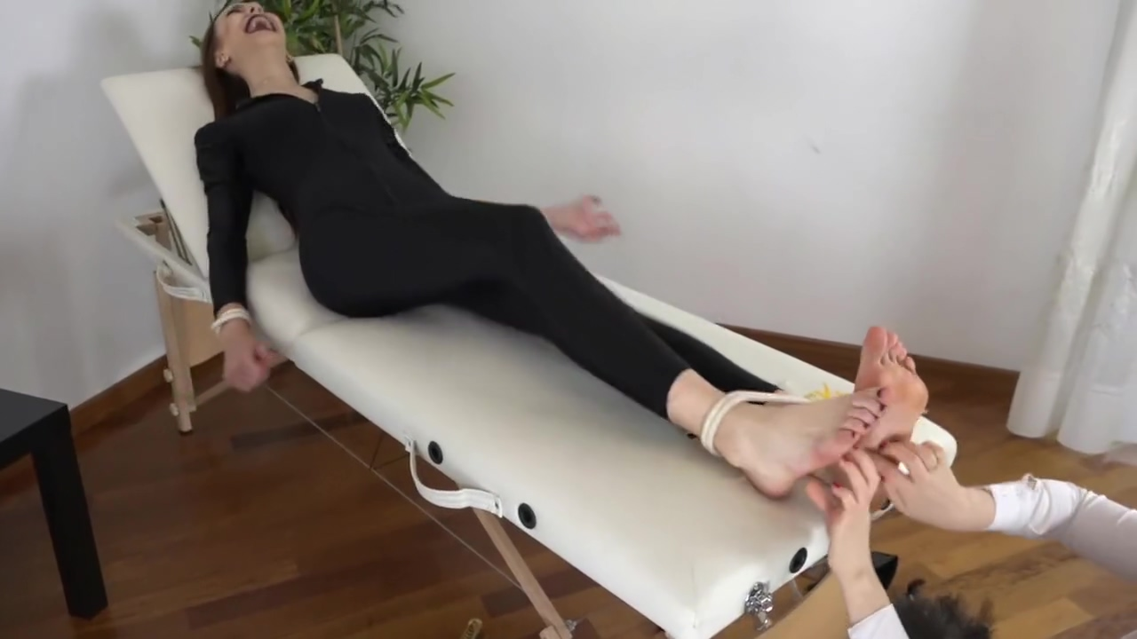 Tickling And Laughing Experiences The two spies punjabi wife black manporn