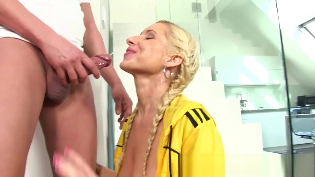 Glam bitch piss soaked Asian pink pussies