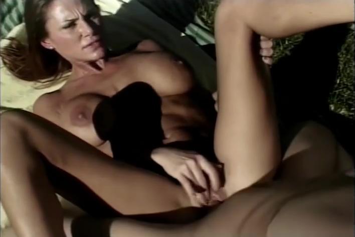 Amatuer Couple Fuck Outside Until She Gets A Facial