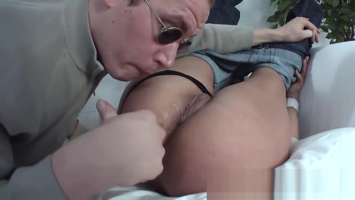 German milf Vivia anal fucked