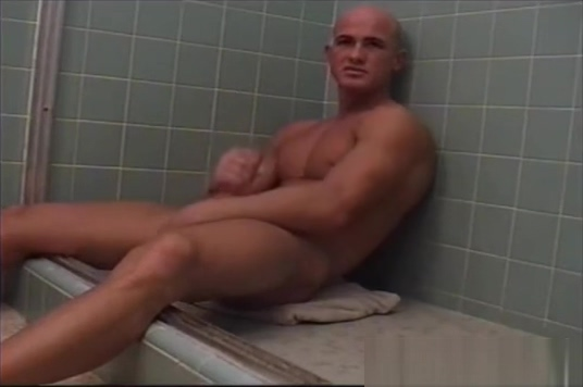 Brock shaves and jerks off Thick grandma