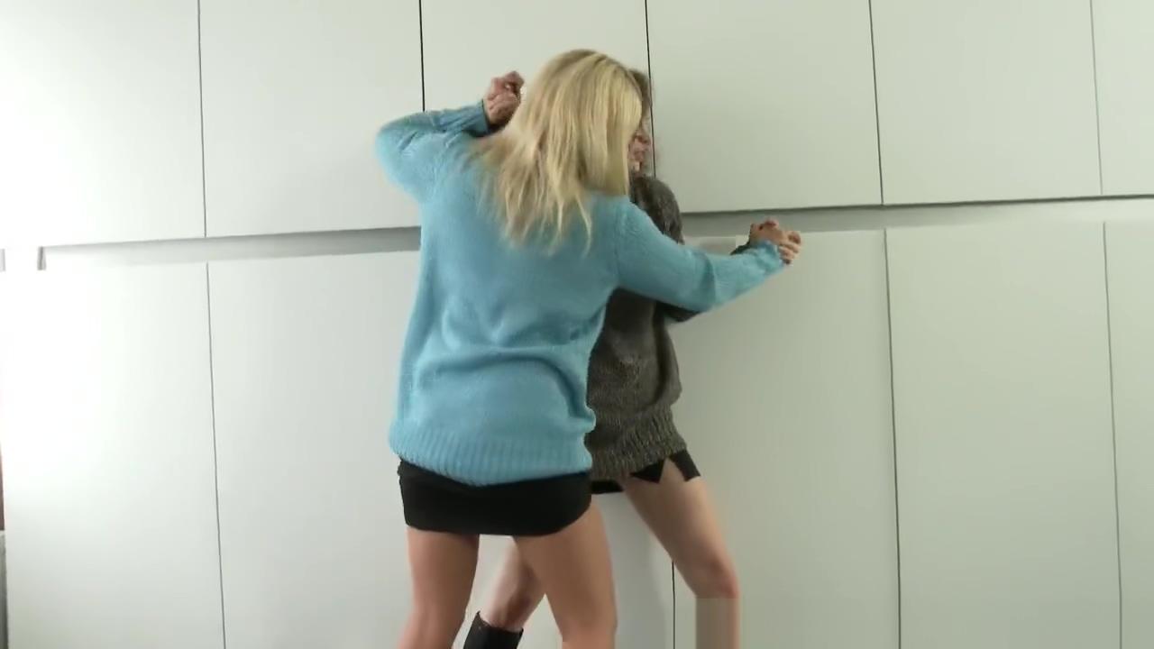 sexfight titfight pt1