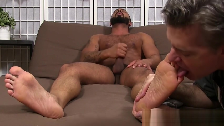 Hunky Latin Damian Taylor strokes his cock while foot licked Hardcore black people porn