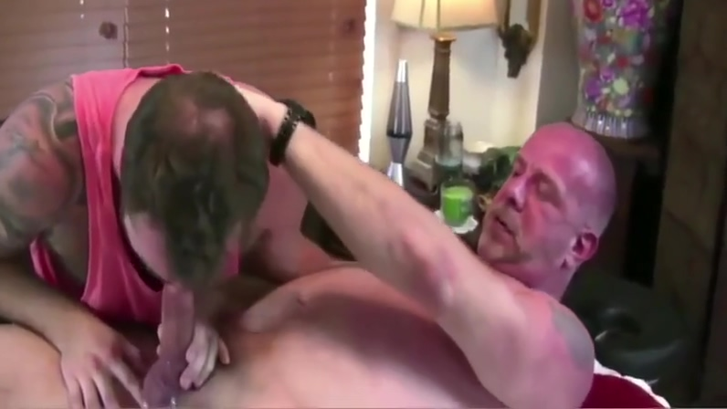 BRUTUS18CM - VIDEO 128 - GAY PORN! Amateur Looking Blue Eyed