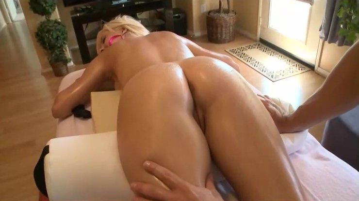 Sweaty Step-Mama Tessa Taylor Riding Cock Hot Tender Bud Erotic picture position