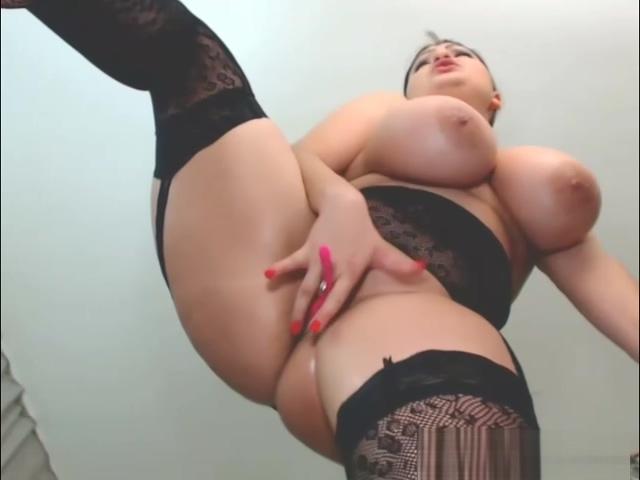 Huge Tits Curvy Makes Herself Orgasm Hard