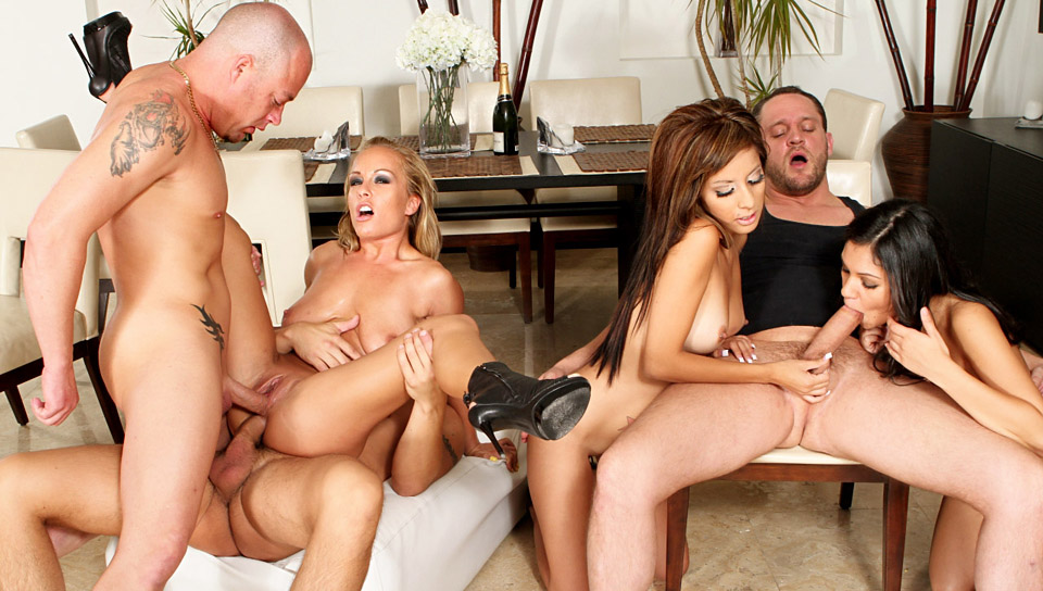 Jessica Moore, Adriana Kelly, Torrie Madison, Alex Knight, Jenner, Alex Gonz in Neighborhood Swingers #03, Scene #01 Black slut sucking cock in the car