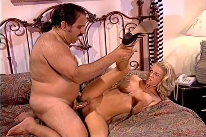 Tabitha Stevens Lets The Hedgehog Ron Jeremy Inside Her