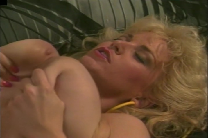 Vintage Chessie Moore Fucked In Her Blonde Hairy Pussy german first black cock