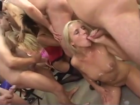 Amateur Blonde Blowjob And Big Messy Facial On Face