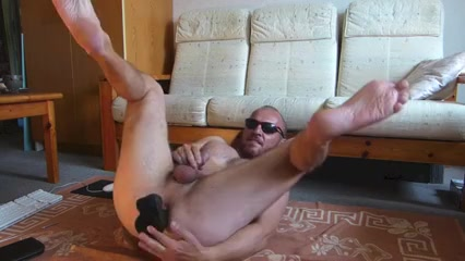 HIS HOLE IS READY (CAM) Mature big naturals in public