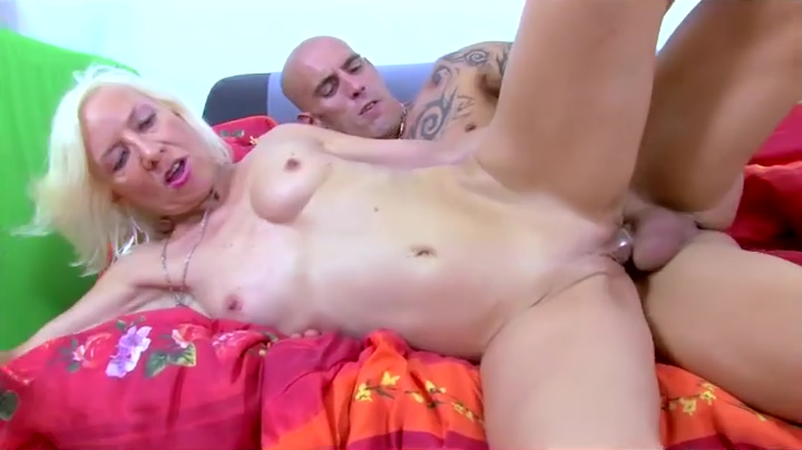 Blonde Charly Sparks Taking Bigcock In Her Ass Hardcore Big boobs thai lick penis and squirt