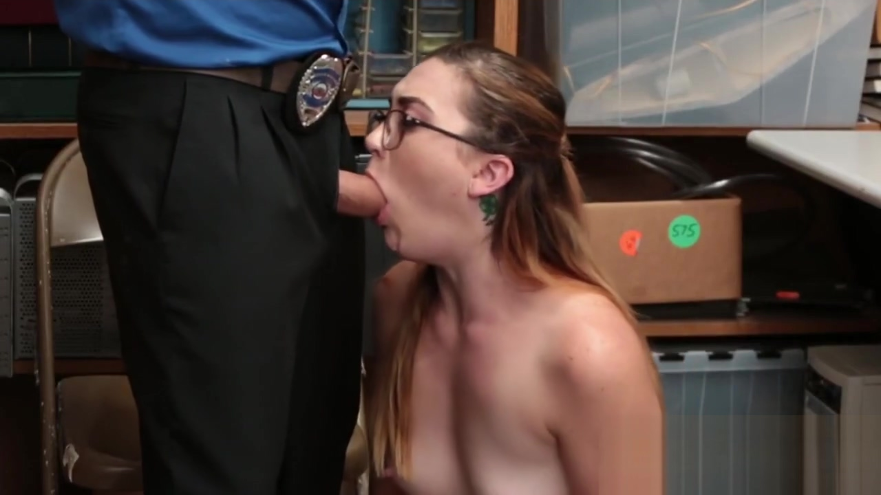 Shy chick pleasured by stranger Tulsa milf