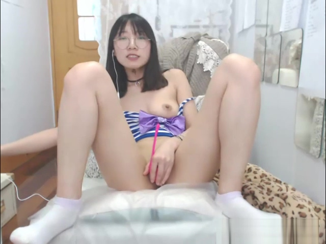Show Pretty Good Chinese Model With Sex Toys Dating sites for feminist