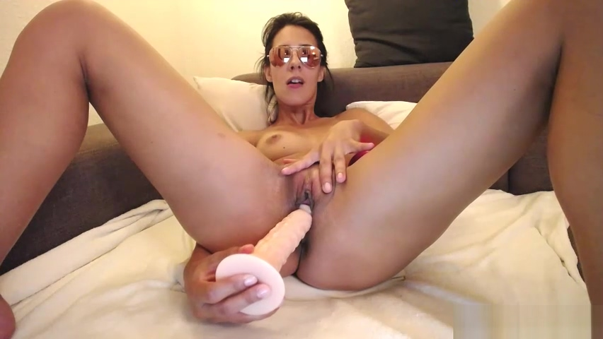 Magnificent Amateur Whore Puts On A Solo Show With Toys Adult free gallery picture porn tgp