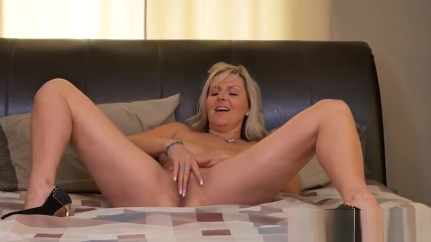 its cougar time Hot girl porn pics