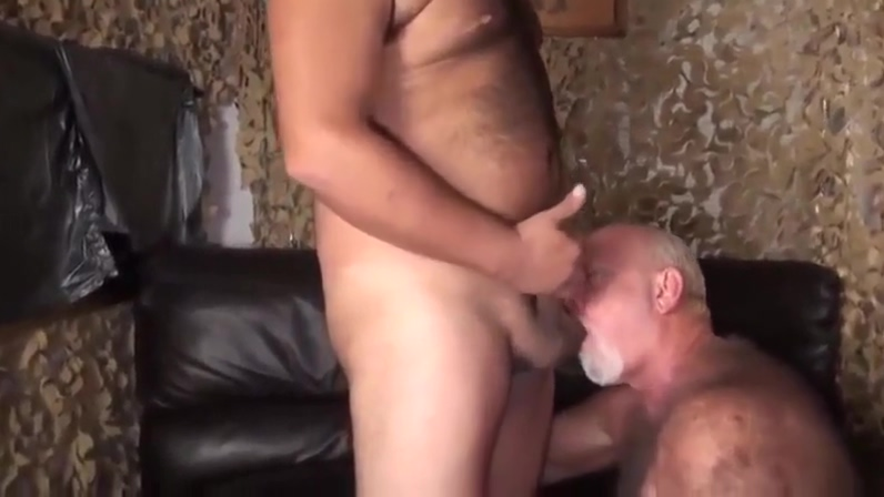 BRUTUS18CM - VIDEO 129 - GAY PORN! Husband vidoe tapes his wife fucking a stranger