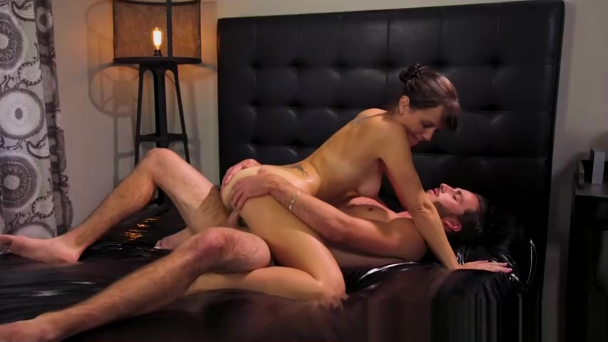 Wet Bodies - Jaye Summers, Ziggy Star, Jasmine Jae and Alana Signs you're hookup a male player