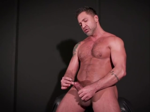 Having jock fun giving that urethral sounding thing a try Petite salope etroite