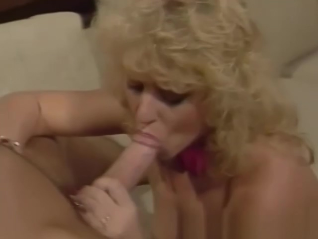 An Arousing Old Time Blonde MILF Sex Session