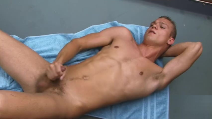 EL - ZACK GETS HIS 1ST MANBLOW My best friend is sexy