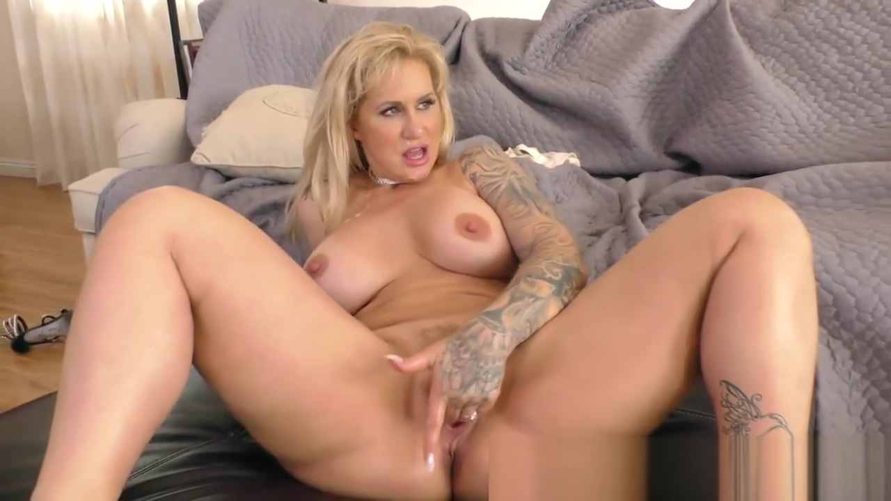 Busty femdomina sucks bbc spring fashion for mature ladies