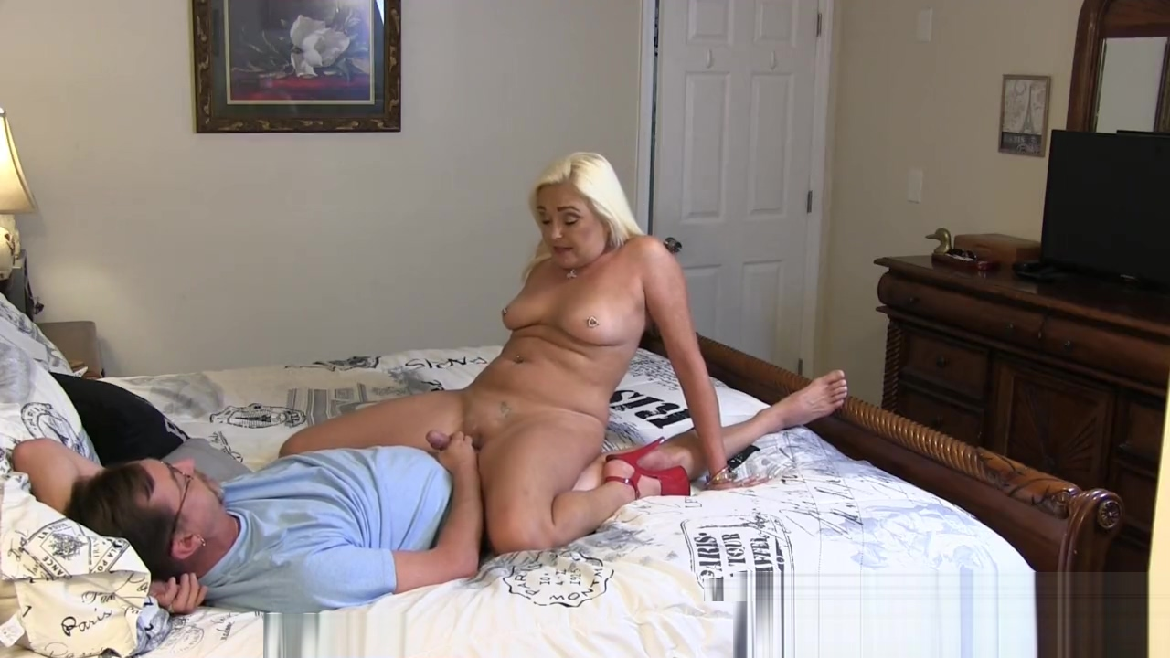 Fuck the Wife or Her Sister, Why Not BOTH? Mature shaved blowjob dick and anal