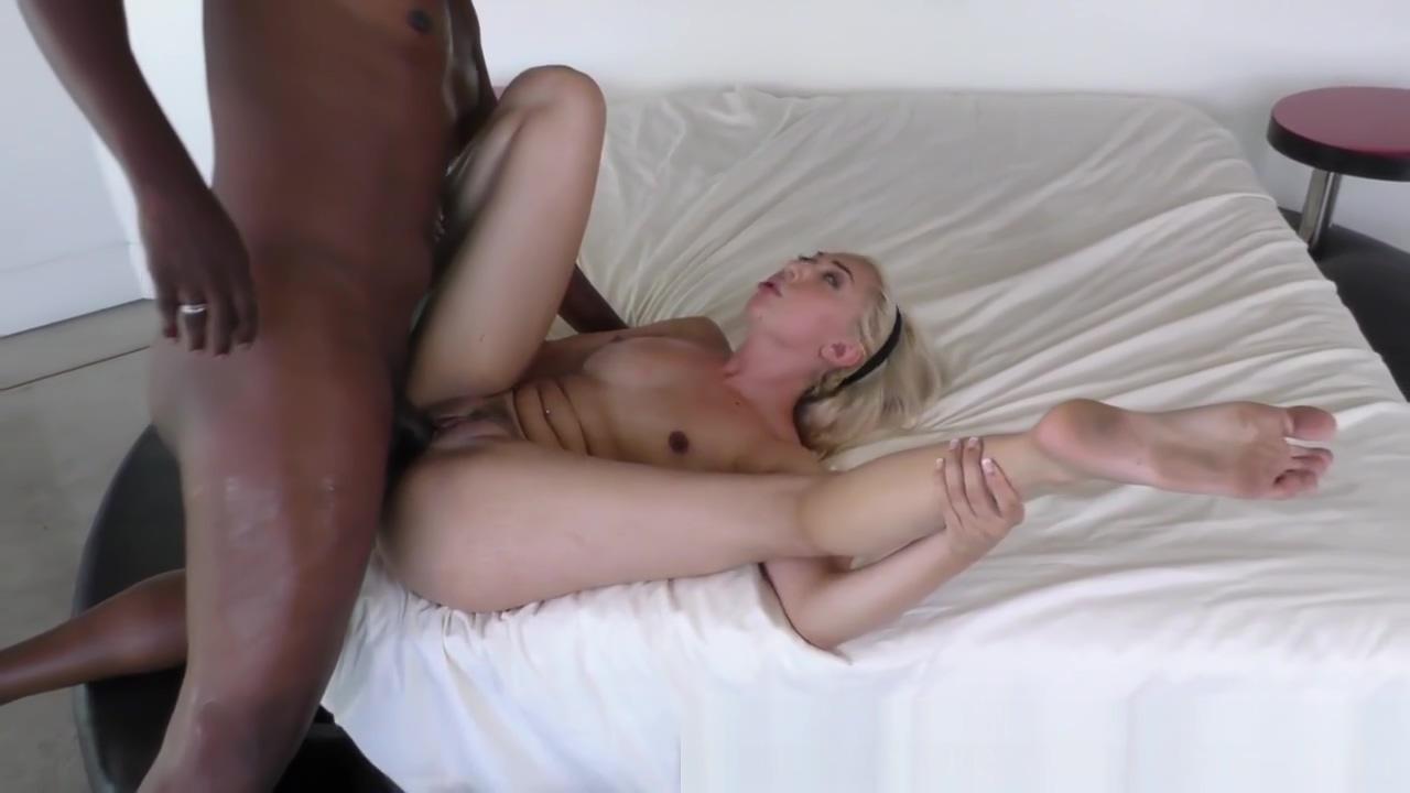 Blonde gets bbc creampie