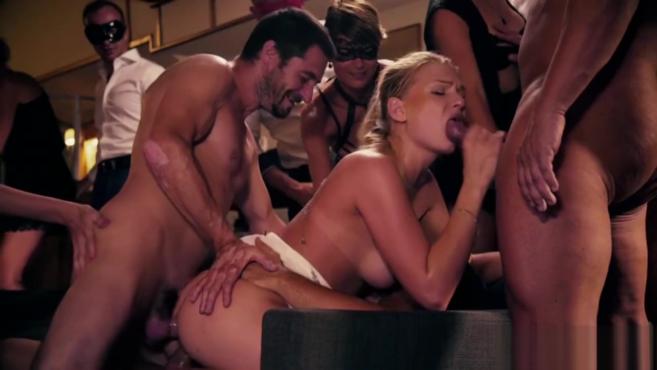 GLAMOUR ORGY PARTY