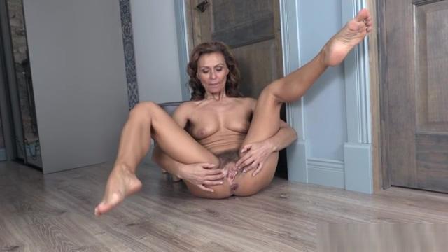 Drugaya BlackShirtRedBra DVD rachel stevens in the nude