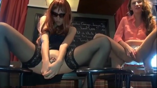 480P 600K 101671222 Juicy babe in a sexy swimsuit
