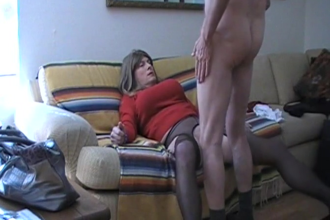 TAMMY FELLATRIX IN SERVICE ON THE GO kick my nude balls hard video