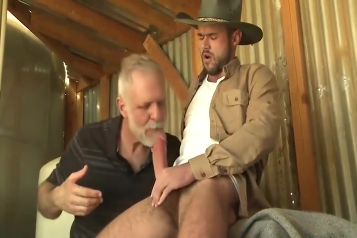 Uncle Jim2 cum on her nylons