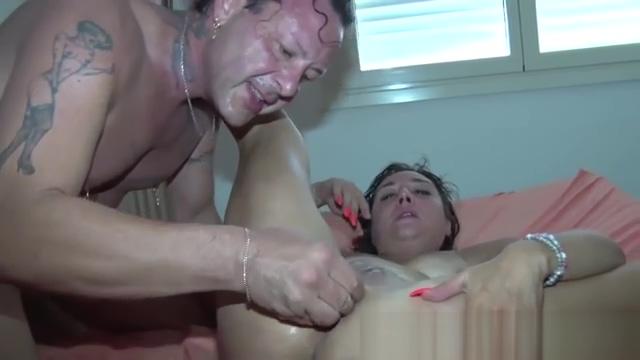 Coca nel culo e testa nel cesso! Orgia malata con Alex Magni Karina drunk leak amateur blowjob