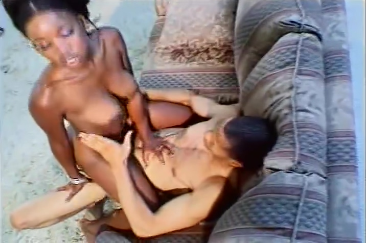 Delivery man right on time to cum Dads sperm in dauters
