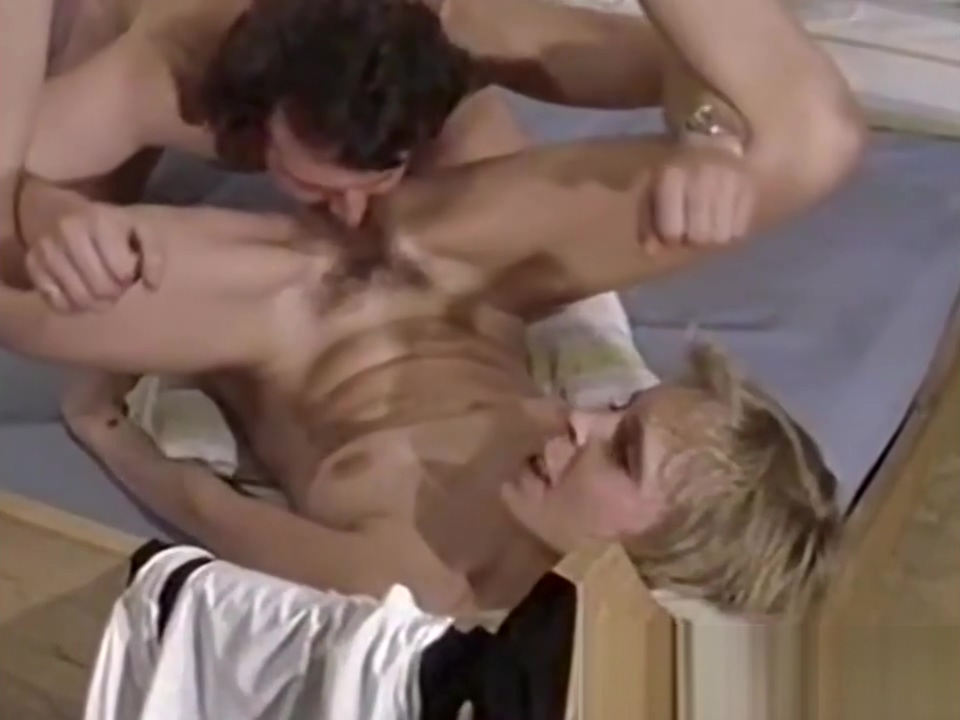 Super sexy blonde fucks hard in retro porn