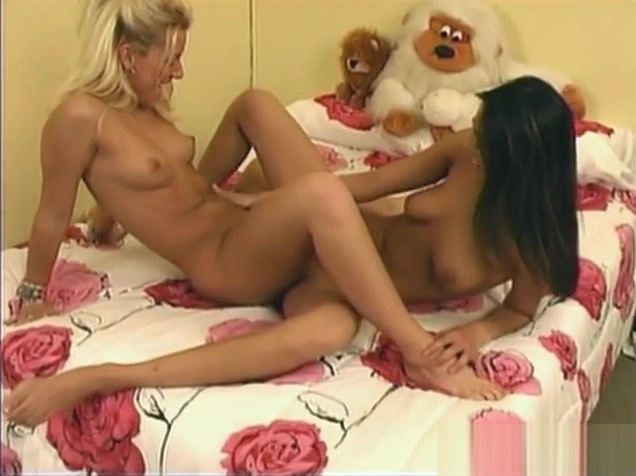 Sexy lesbians given a hand