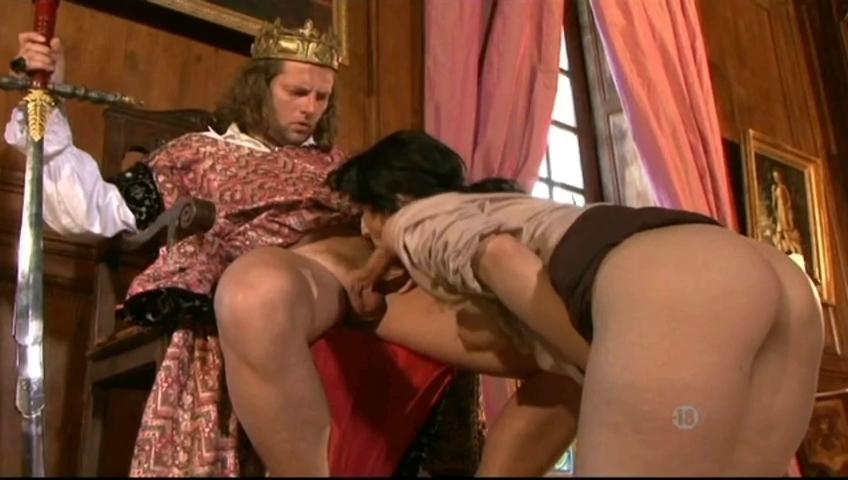 Порно царские особы, фото девушек сосущих своим бывшим