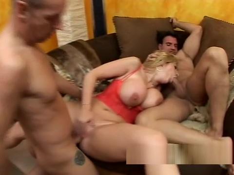 MILF Sara Jay foursome Pantera fucked her friend