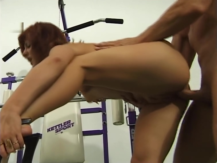 Redhead fucks bodybuilder in the gym Dating matrix biology high