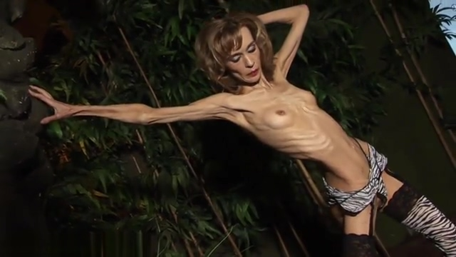 Anorexic mature is showing her body