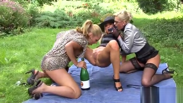Hotties shaved cunt banged Ebony and ivory club