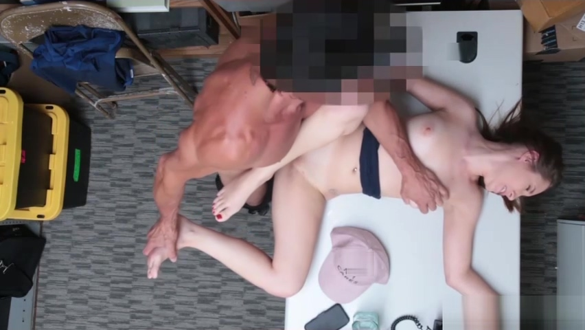 Hayden Hennesys pussy ride into that big cock of LP Officer