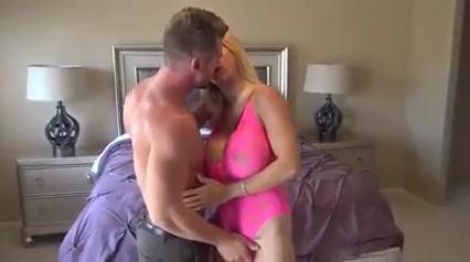 That Woman Loves random dudes Busty Babe Rachel Richey Blowing Throbbing Cock