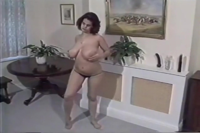 nilli willis strips and plays soft porn sex clips